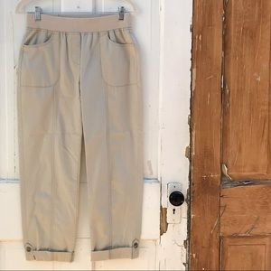 Chico's khaki cropped pants Size 4